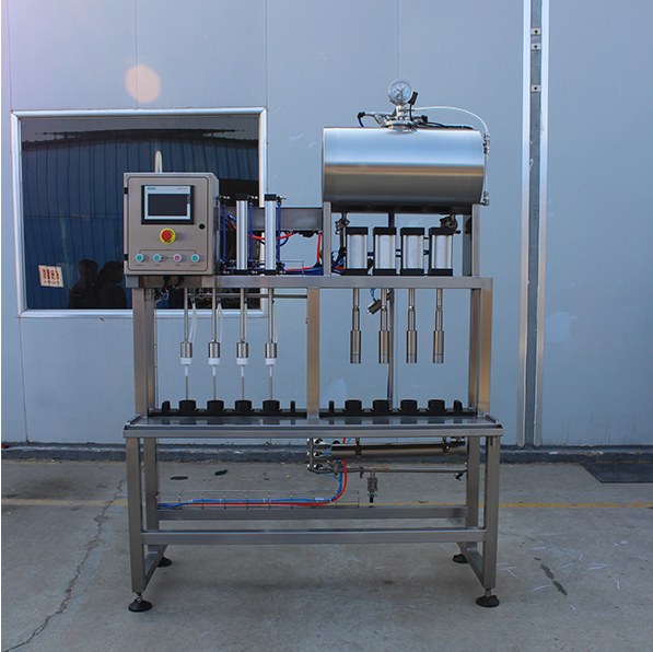Semi-aotumatic beer filling and capping machine for brewery