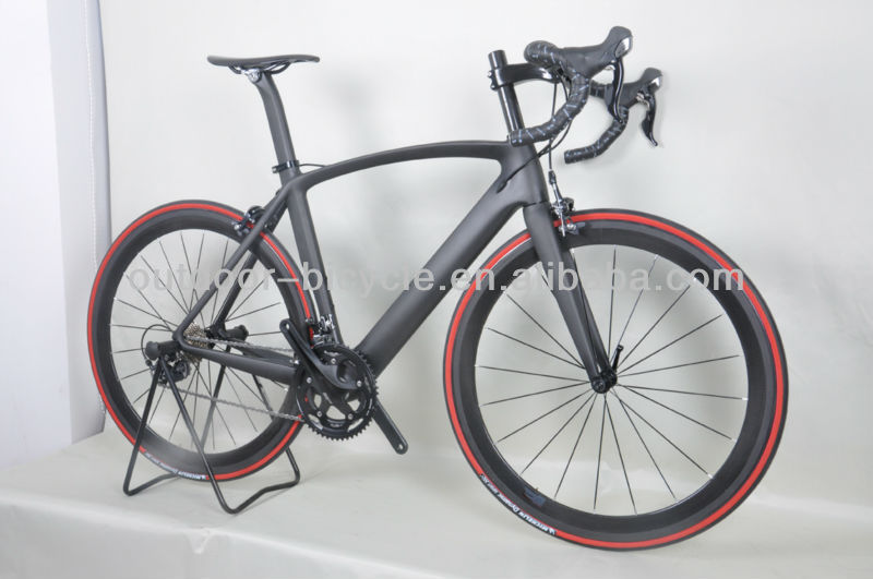 Complete black matt finish DI2 carbon aero road bike