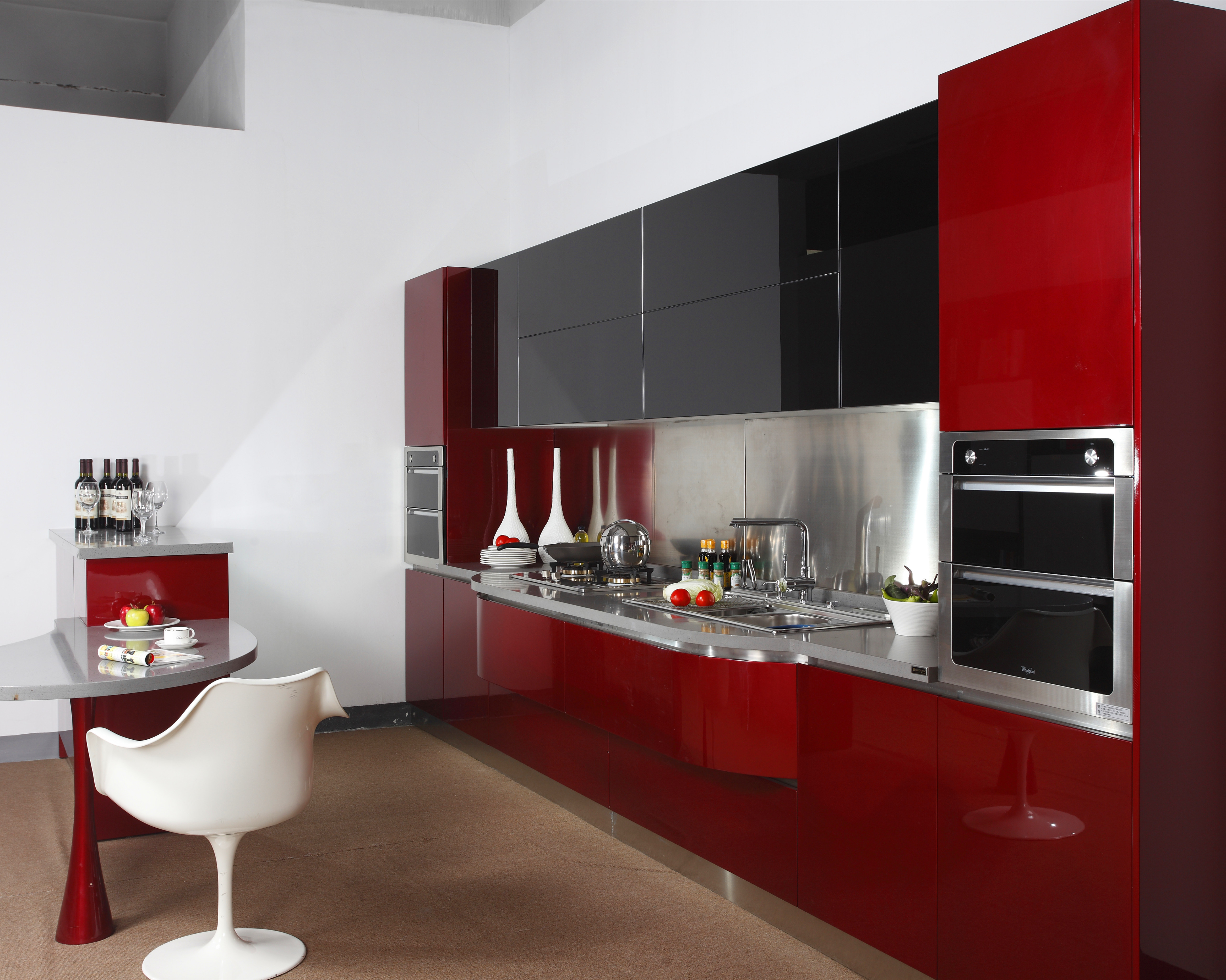 Red High Gloss Lacquer Kitchen Cabinet