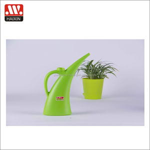 Wholesale Cheap New Design Plastic Trunk Mini Kids Sprayer Watering Can for Garden Plants
