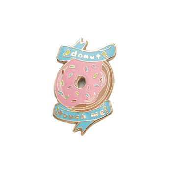 "2019 custom 1.25"" pink color gold plated donut touch me logo hard enamel lapel pins"
