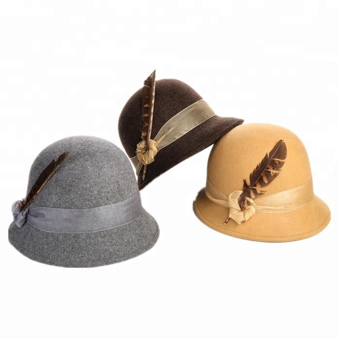Vintage Real Británica mujeres Cloche invierno sombrero con pluma ...