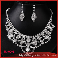 Fashion Silver Handmade white artificial Rhinestone Necklace Earrings Set