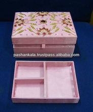 Hand Embroidered Jewelry Box Hand Embroidered Jewelry Box Suppliers