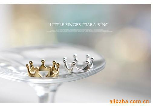 R025 New Pattern Fashion Lovely Crown Rings Jewelry wholesales Factory Direct Sales 99