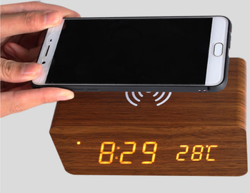 Eco-friendly Creative Multifunction 2 in 1 Wooden LED Alarm Clock QI Mobile Phone Wireless Charger