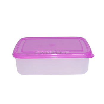 Crisper plastic lunch box with moveable division