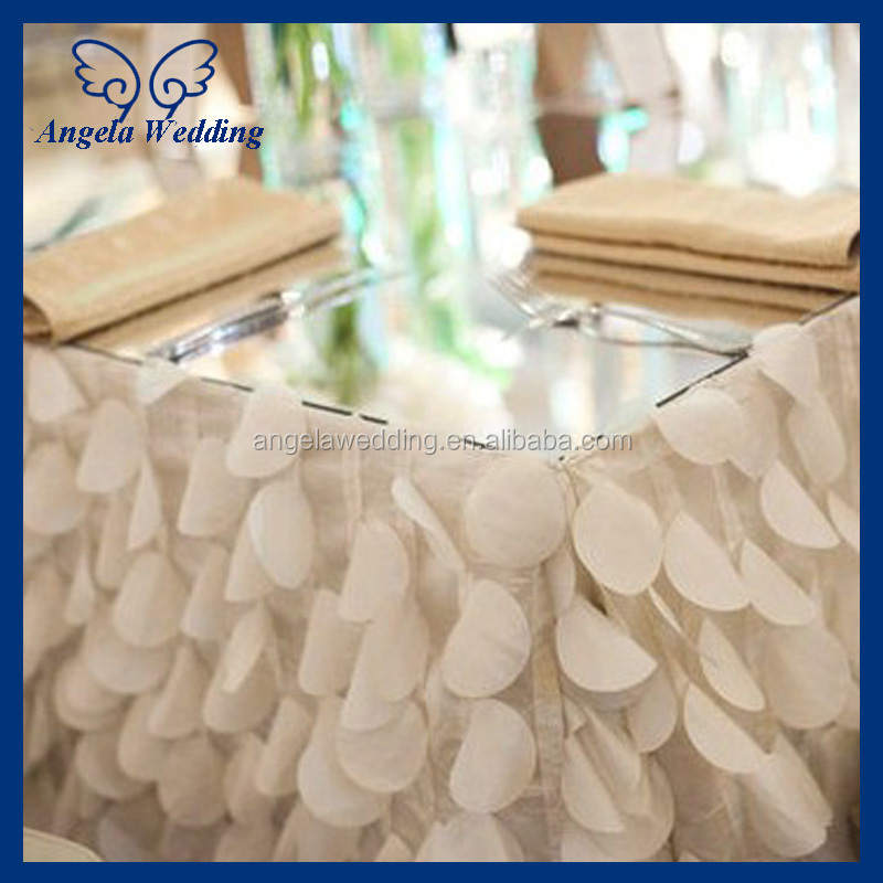 CL019A Fancy Round Wedding Red And White Satin Table Cloth For Round Table