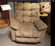 Hot Selling Comfortable Functional Leather Recliner Sofa ZOY R7066B-41