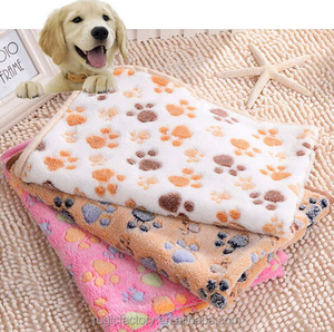 Fleece Fabric Large Pets Use Dog Blanket with paws printed