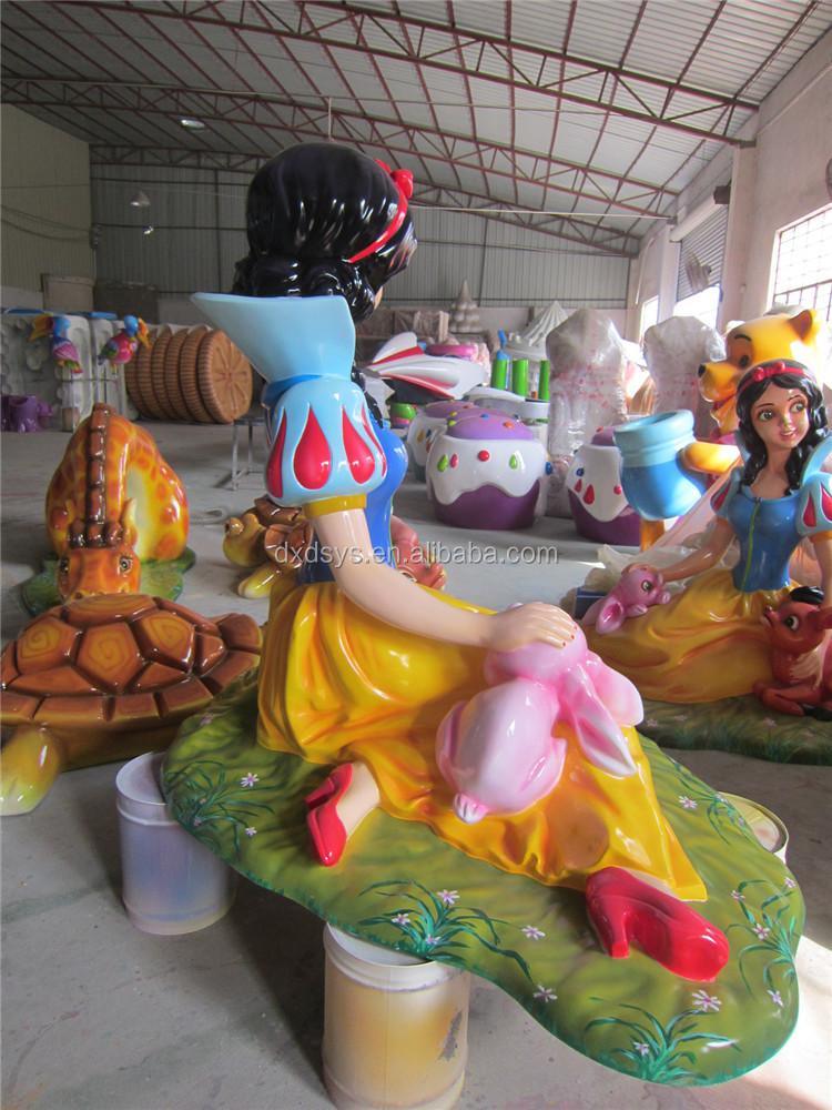 Factory customized lifesize fiberglass cartoon character statue of snow white
