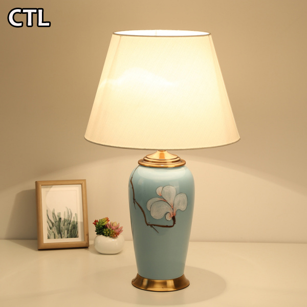 Chinese classical blue and white porcelain table lamp modern hotel bedside decorative glazed ceramic table lamp