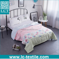 2017 new arrival puerple flowers printed summer quilt for thailand