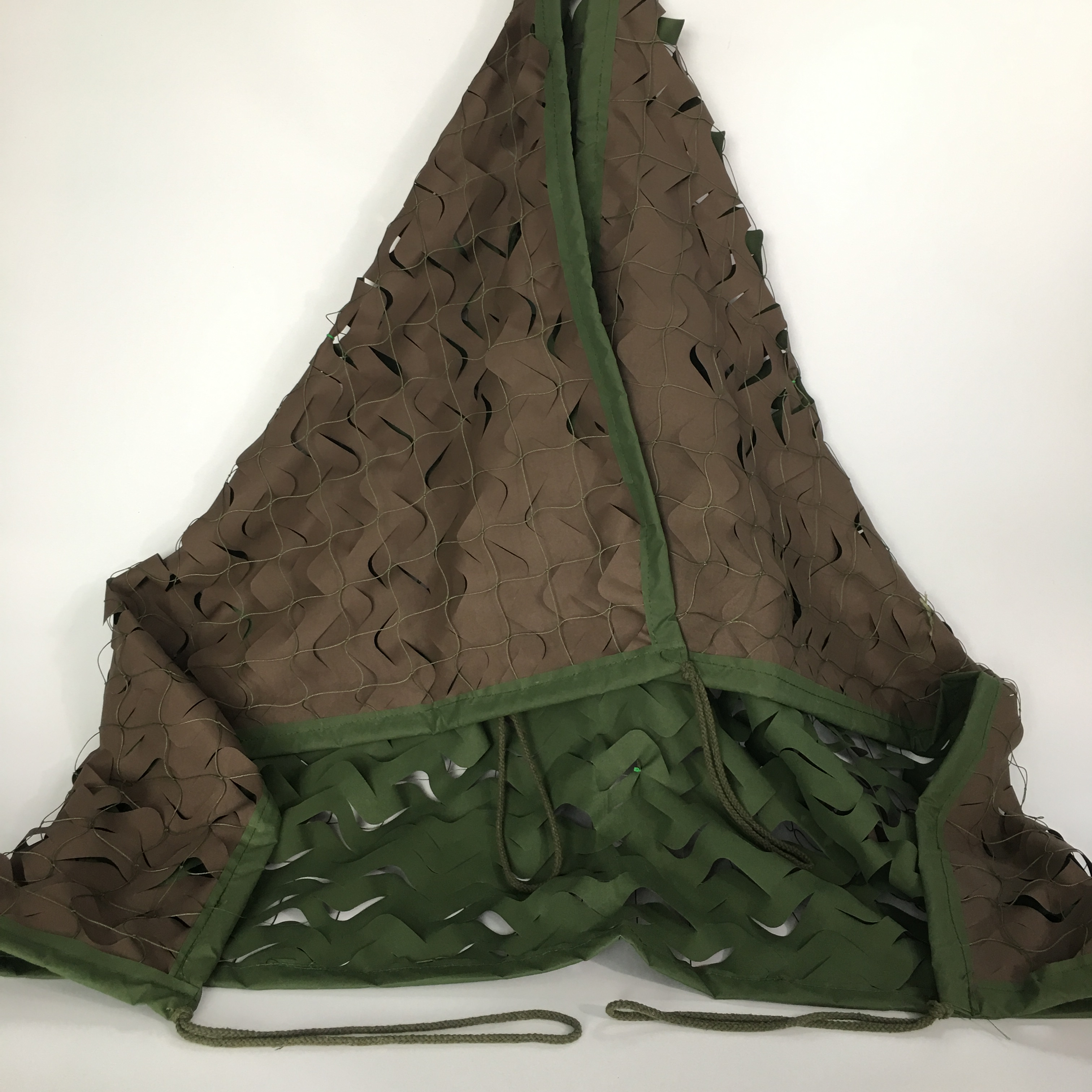 Wholesale Military Polyester Woodland Camouflage Net Green Camo Netting for Camping Hunting Hide