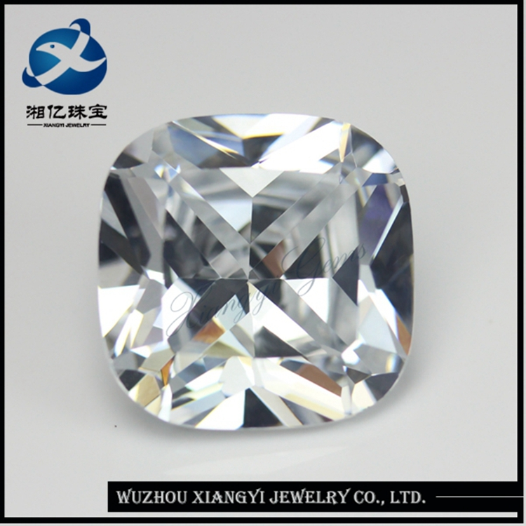 Nicely Polished Synthetic Diamond Princess Cut Wholesale Synthetic Diamonds