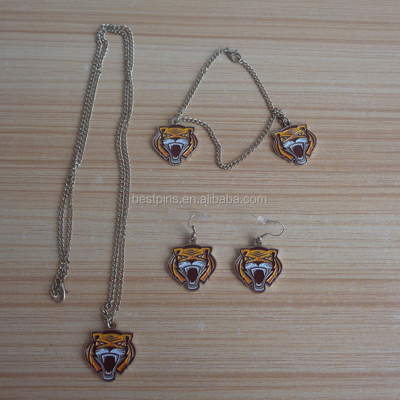 high quality custom tiger face shape jewelry set with necklace / earrings
