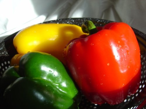 STOPLIGHT BELL PEPPERS GREEN, RED & YELLOW LARGE FRESH FRUIT PRODUCE VEGETABLES EACH