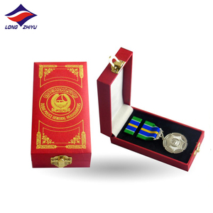 Longzhiyu 12years military medal german german engraving star shape military medal emblems ribbon bar