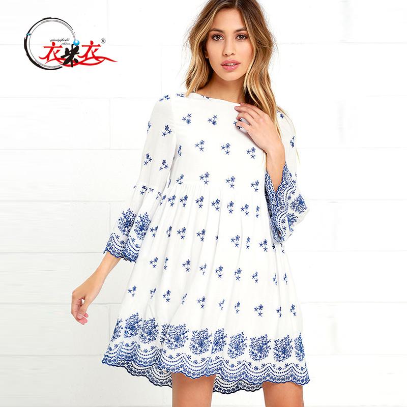 Cinese Fabbrica di Abbigliamento OEM Womens Elegante Blu E Avorio Tre Quarti Fiore Ricamato Abito