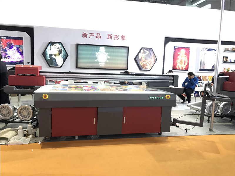 Topcolor high quality 2513 flatbed uv printers 1.3mx2.5m uv led flatbed printer GEN5 GH2220 inkjet uv flatbed printer
