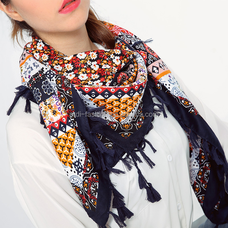 2017 spring summer trendy design tassel ends women scarf