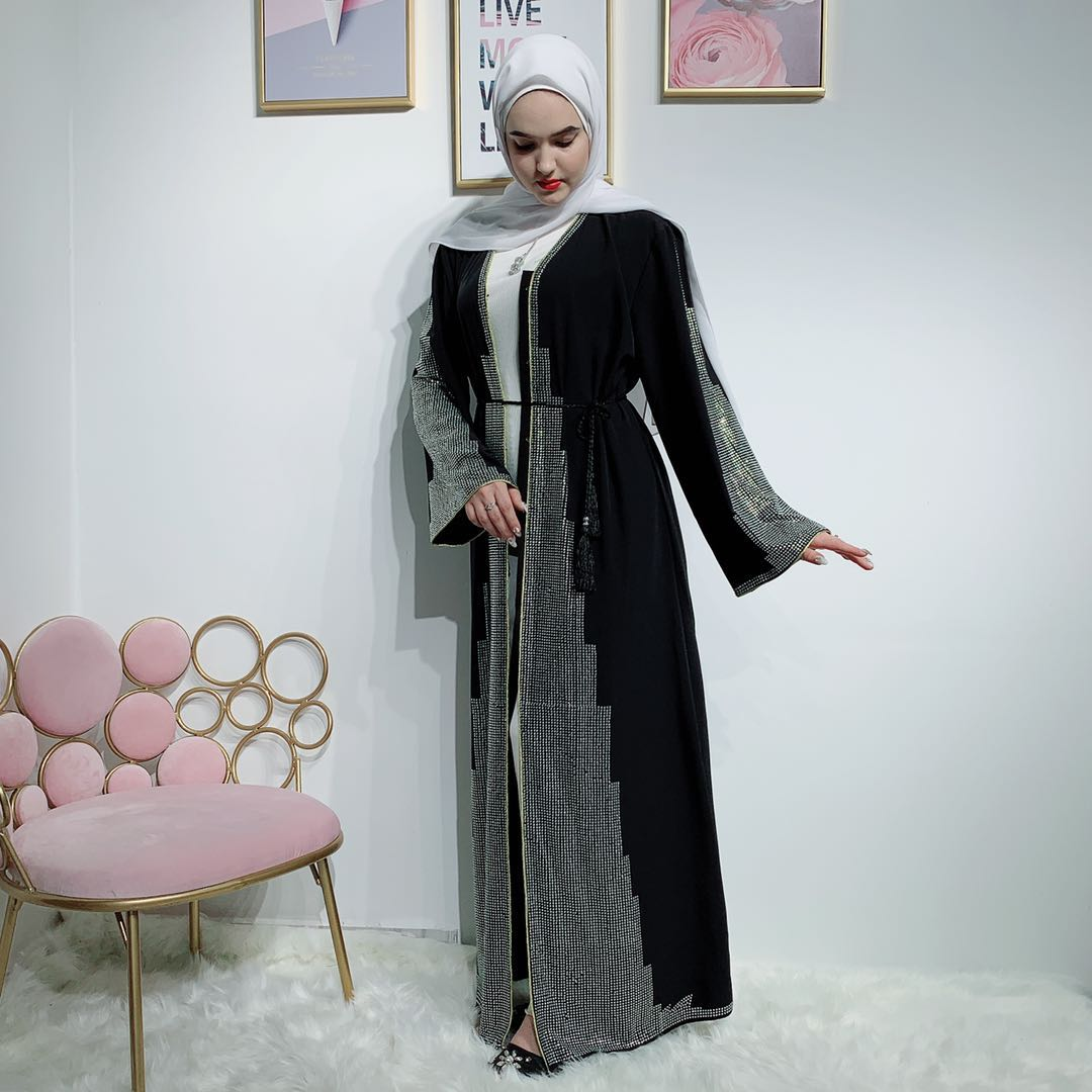 Muslim Front Open Soft Crepe With Stone Abaya fashion design