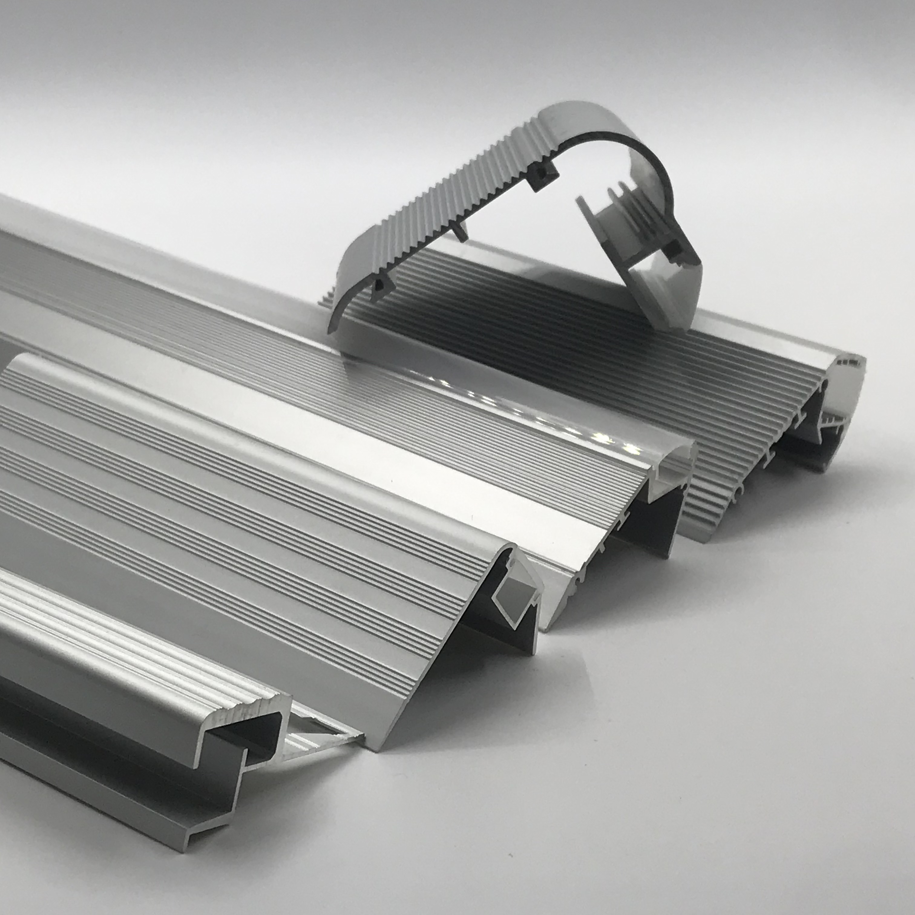 Hero metal high quality aluminium led profile for led strip light 20mm wide in stock