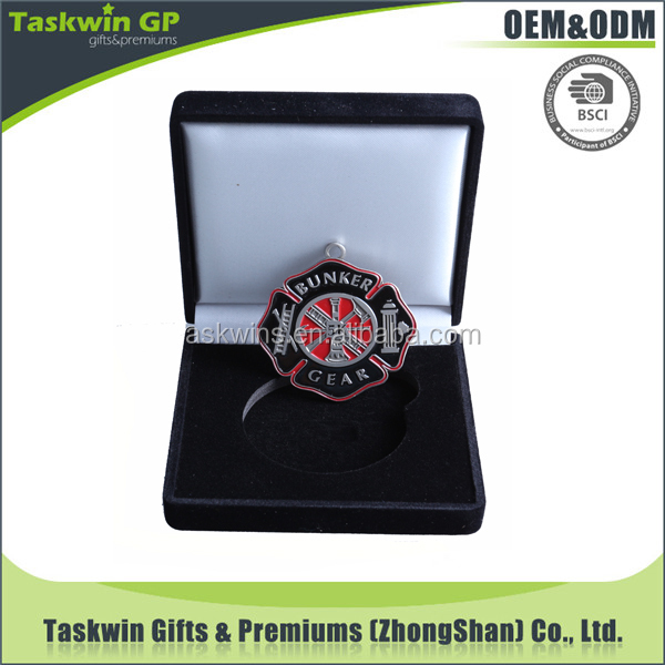 Promotional custom soft enamel iron stamped medals with gift box