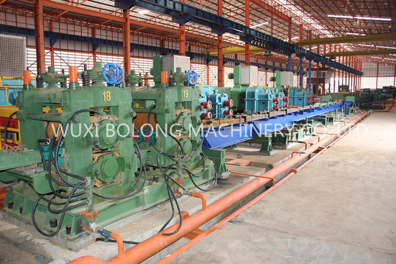 Small hot rolling mill