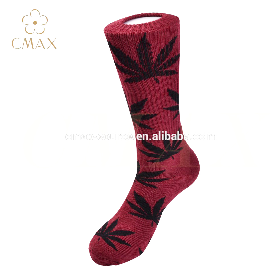 3522daa709a Rechercher les fabricants des Feuille De Cannabis Chaussettes produits de  qualité supérieure Feuille De Cannabis Chaussettes sur Alibaba.com