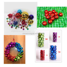 Glossy plain round indoor decorating Plastic Christmas Ball with factory price