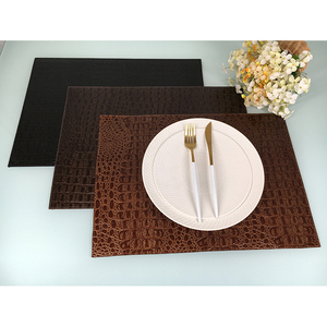 2018 home decoration customized embossed coaster wholesale pu leather table mat place mat