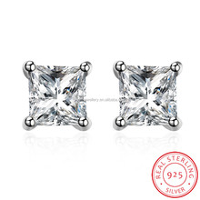 Stock 925 Sterling Silver Round Diamond Stud Earrings