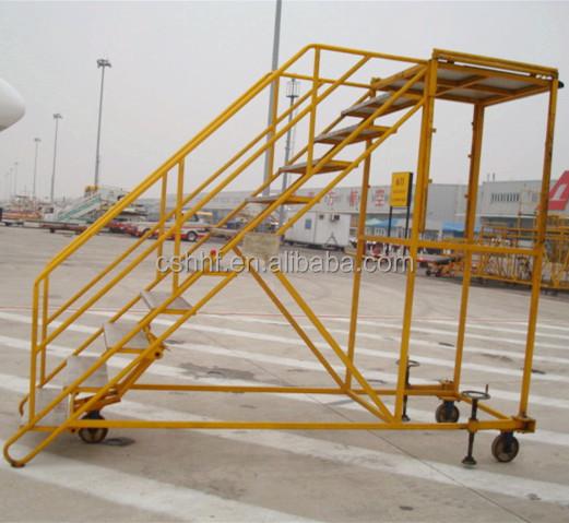 el aeropuerto de equipos de de metal al aire libre escaleras pasos de trabajo