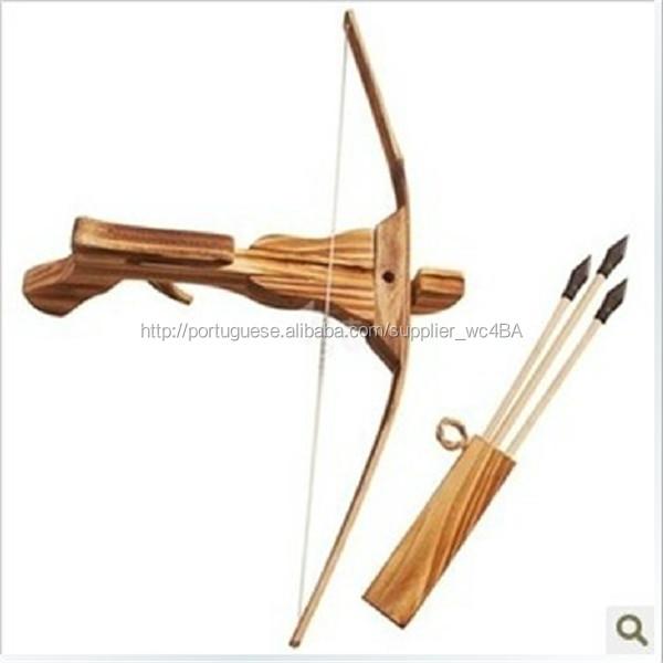 30528e4d0 Mini brinquedo de criança presente arma besta de fotografar besta e flecha  aljava seta de madeira
