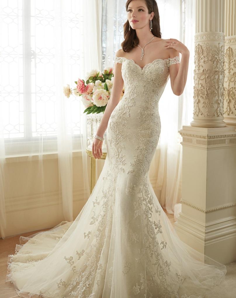 Off Loading Wedding Dresses Bride 108