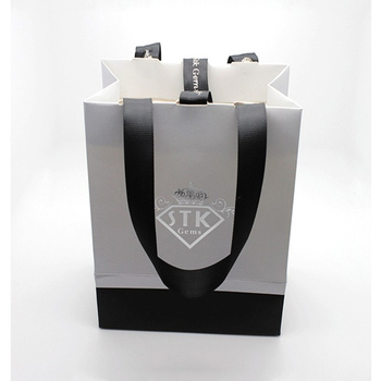 New Custom Gift Coated Paper Bag With Logo Print