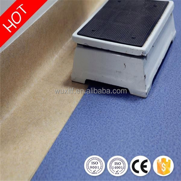 Long lifetime durable wear resistant vinyl flooring for hospital for indoor