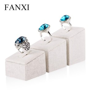 FANXI Manufacturers China Custom MDF Finger Ring Stepwise Holder Sets Wedding Ring Jewelry Display