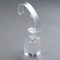2019 hot selling competitive price clear acrylic watch display stand with C ring for promotion