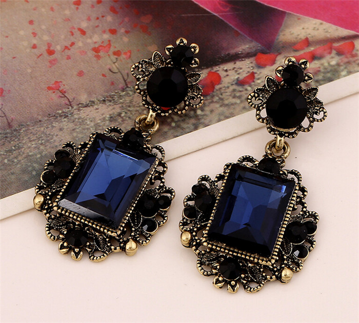 2019 New 2017 Navy Blue Color Crystal Drop Earrings For Women Vintage Dangle Europe Brand Very High Quality From Yuqing1668