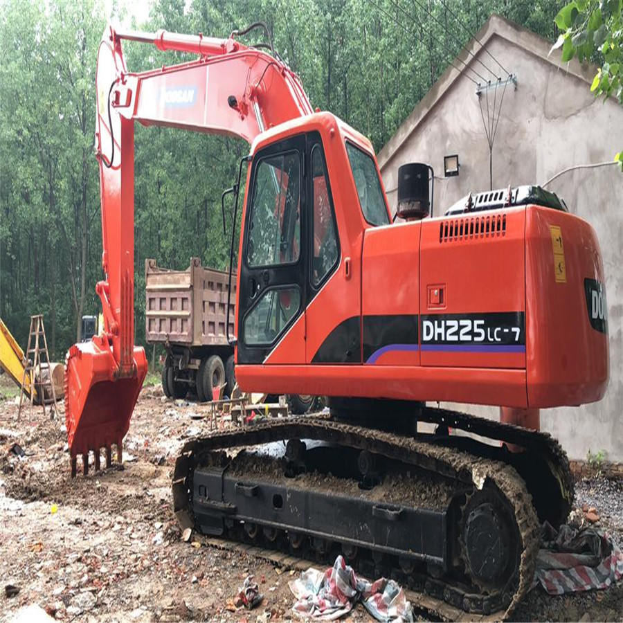 Second hand Doosan 225-7 crawler excavator/used original 225-7 with good condition for sale