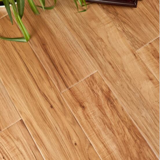 China floor manufacturer maple wooden grain color laminated flooring