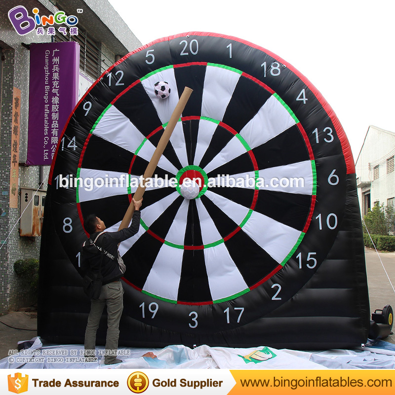 2018 Giant inflatable cling soccer dart board with paste football