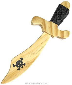 Espada de madeira De Madeira Para Pequenos Piratas Made In China é a espada  de brinquedo 34e60fa2b36