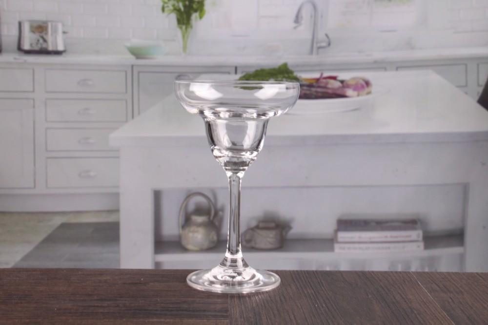 Wholesale martini glass vases centerpieces unique shape