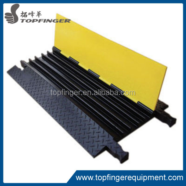 1m long yellow&black color outdoor use event party rubber PVC cable ramp for sell