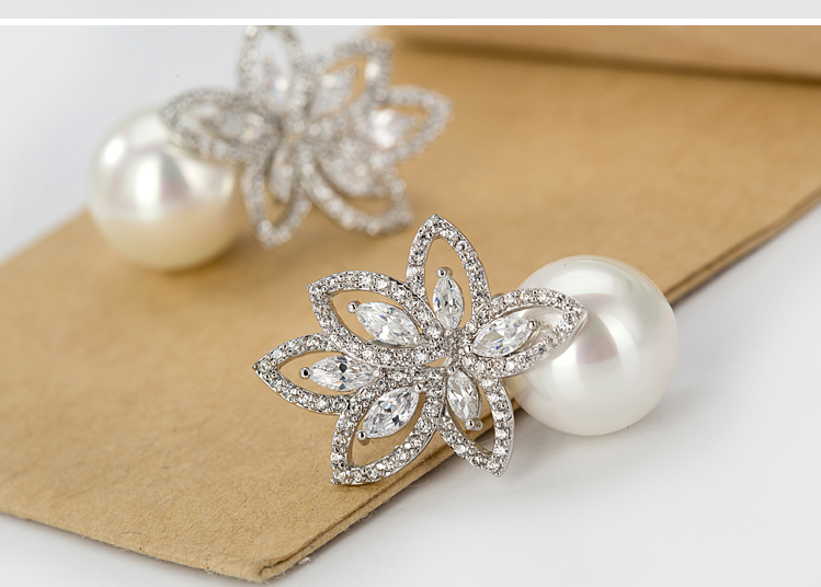 LUOTEEMI New Arrival European and American Love High Quality Material Charming Fashion CZ Pearl Earring for Women Girls
