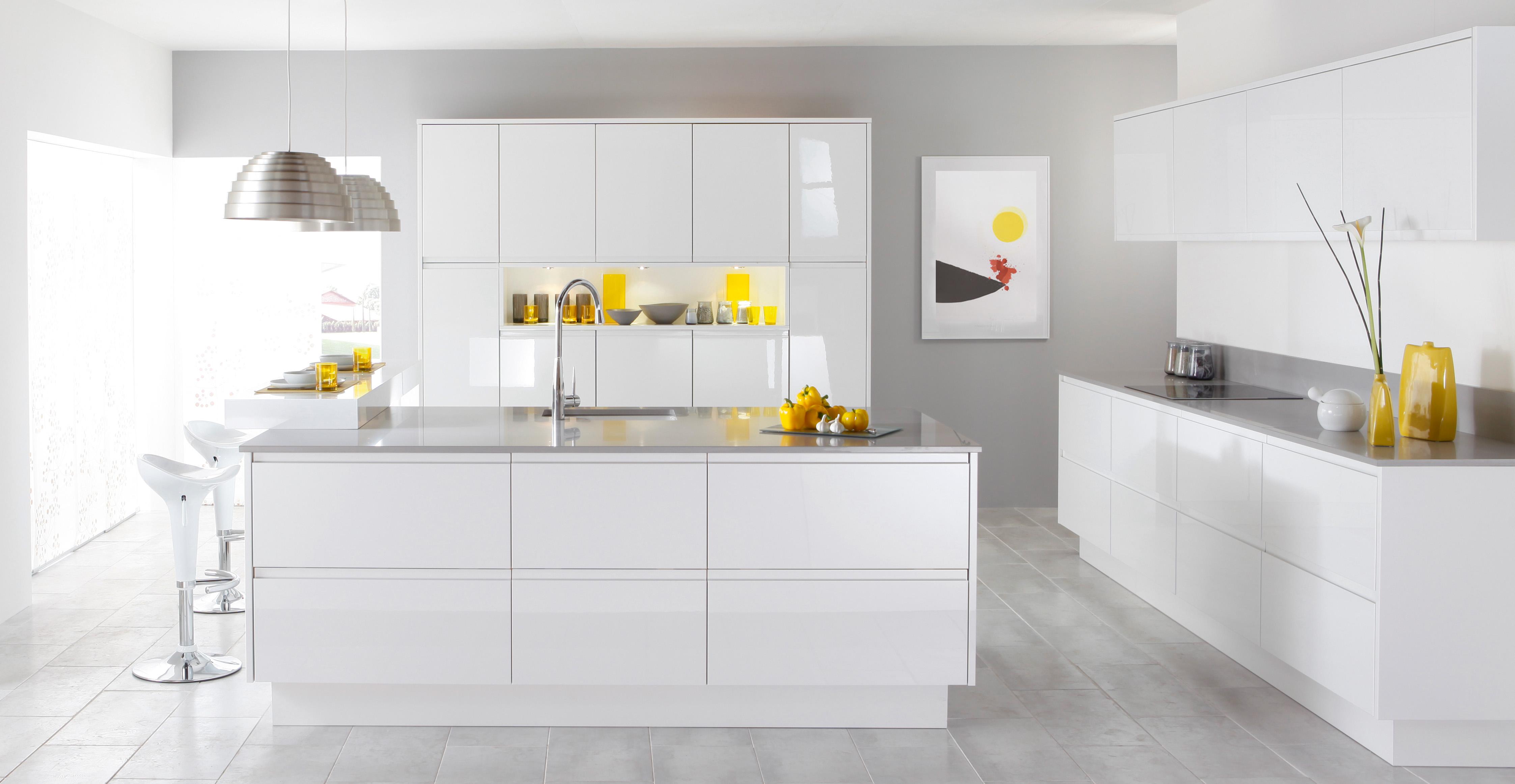 Vermonhouzz 2019 Modern White High Gloss Lacquer Handleless Kitchen Cabinet Design Hotel Kitchen Buy White High Gloss Kitchen Cabinet Handleless Kitchen Cabinet Design Hotel Kitchen Product On Alibaba Com