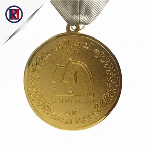 Beautiful design souvenir metal customized zinc alloy medals custom make finisher 1st place gold metal medals hanger